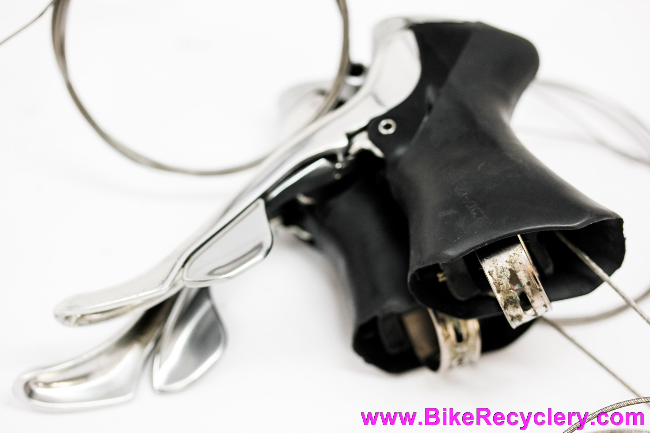 Shimano Dura Ace ST-7700 STI Shifters: 9 Speed Double Non-Flightdeck - Engraved Faceplates V1 (EXC-Near Mint)