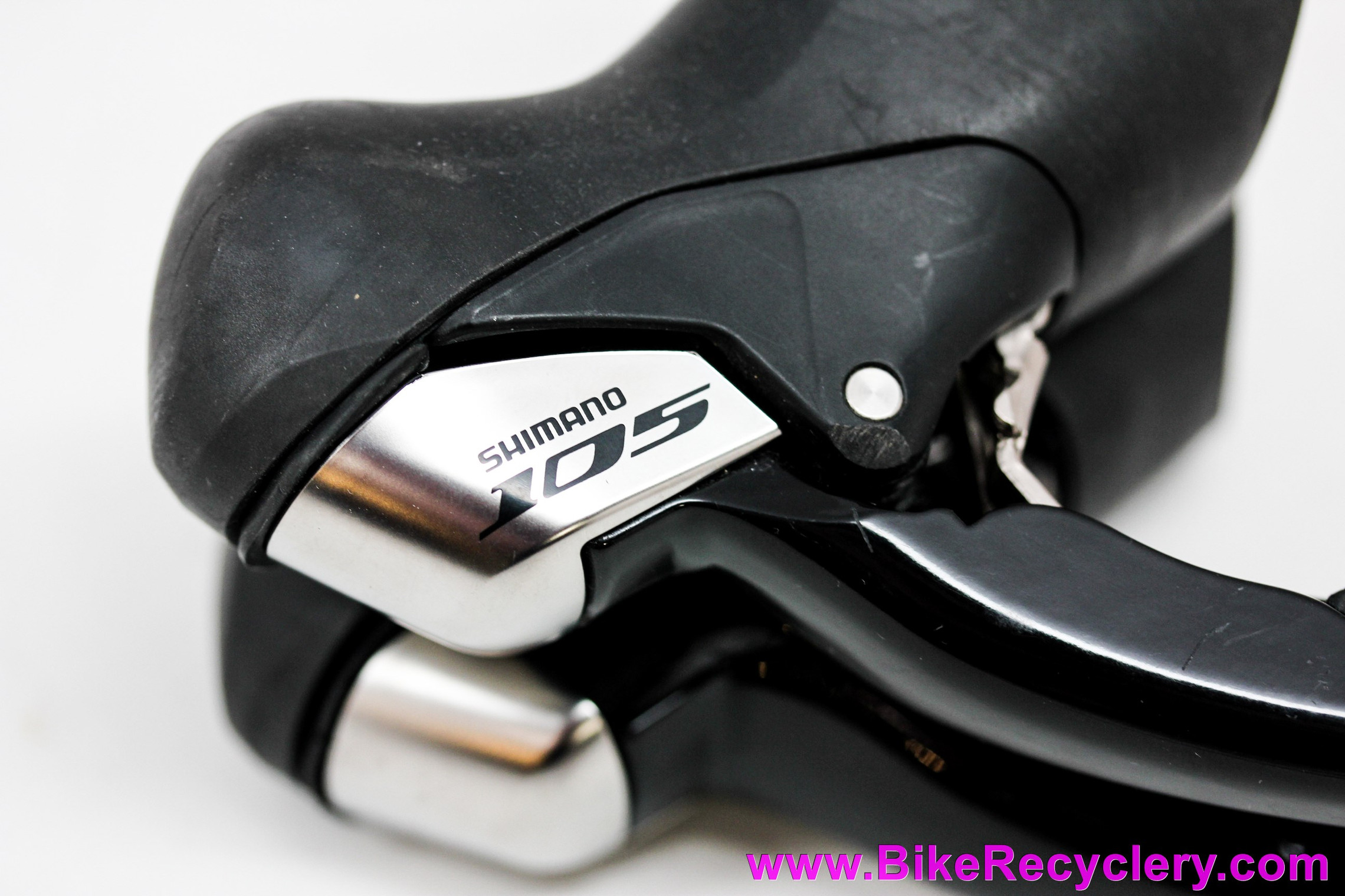 Shimano 105 ST-5700 10-Speed STI Shifters: 2x10 - Left/Right Set (Near Mint+ Low Miles)