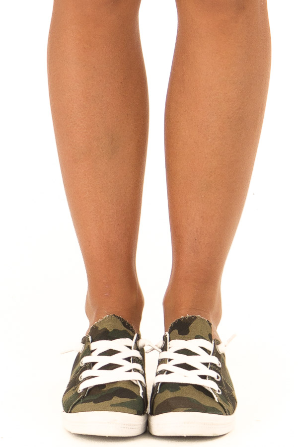 Olive Camo Print Casual Low Top Sneakers front view