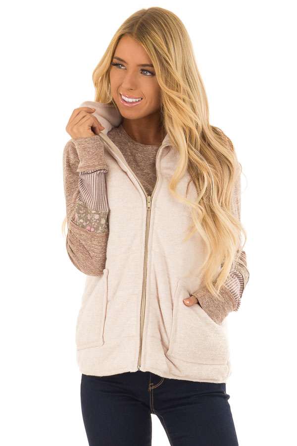 Oatmeal Zip Up Vest with Front Pockets front close up
