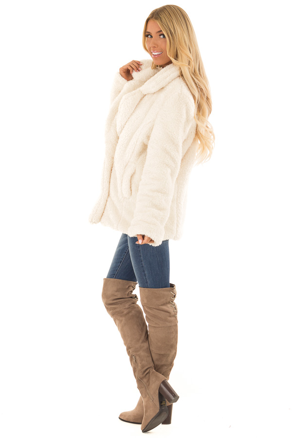 Ivory Oversized Faux Fur Coat with Pockets side full body
