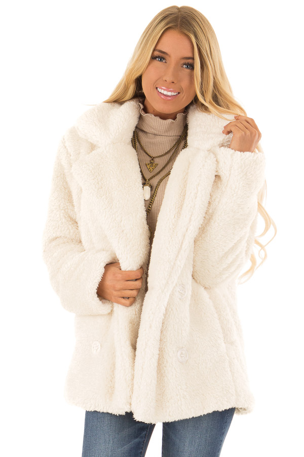 Ivory Oversized Faux Fur Coat with Pockets front close up