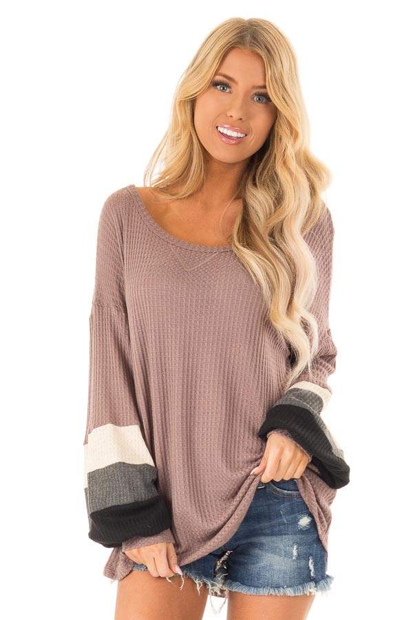2c18e001f56ac8 Light Mocha Waffle Knit Color Block Top with Bubble Sleeves front close up