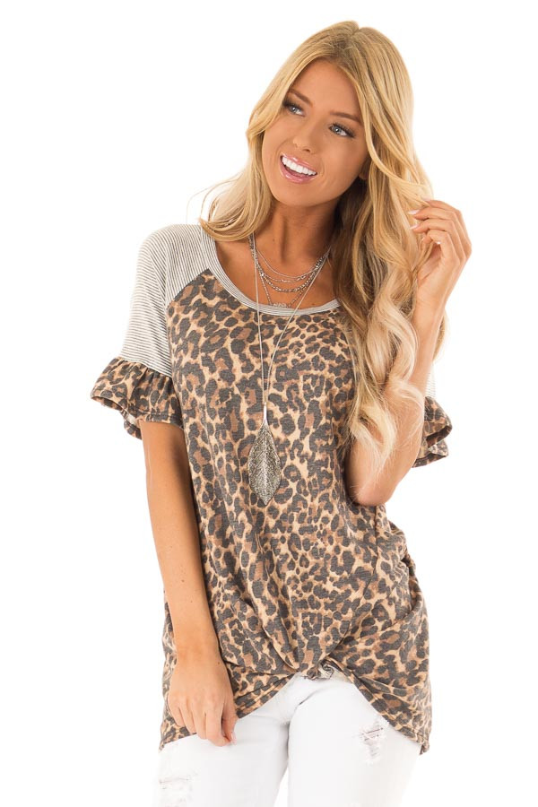 9b3183553bc228 Leopard Print Short Sleeve Top with Front Twist and Ruffles front close up