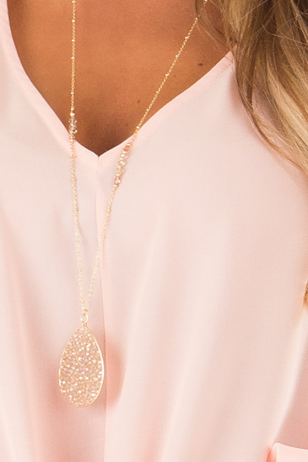 Champagne and Gold Oval Beaded Pendant Necklace detail