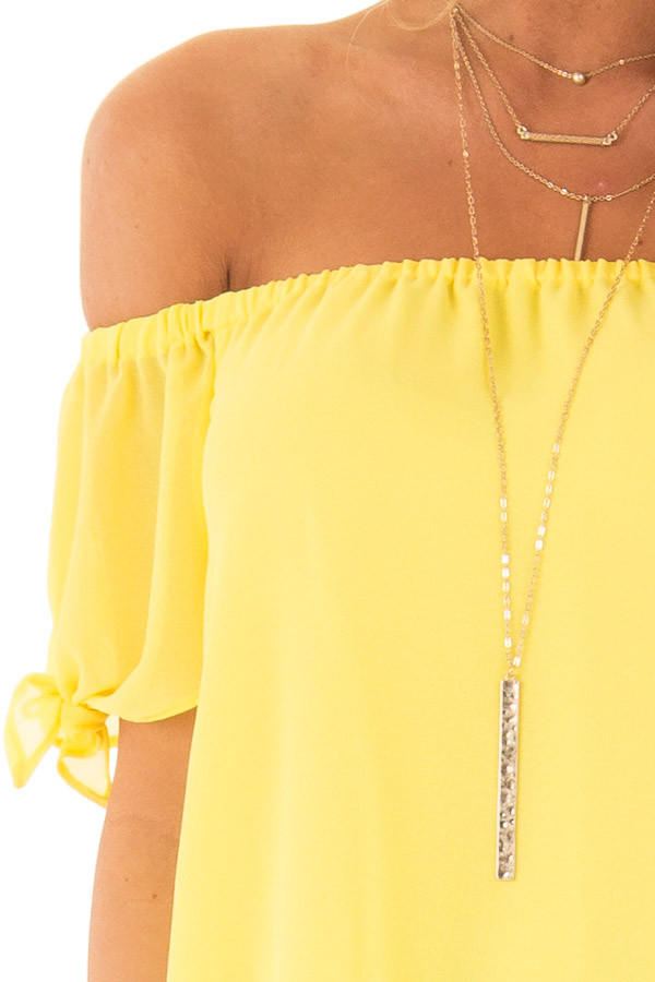 Pineapple Off the Shoulder Short Sleeve Top with Tie Detail detail