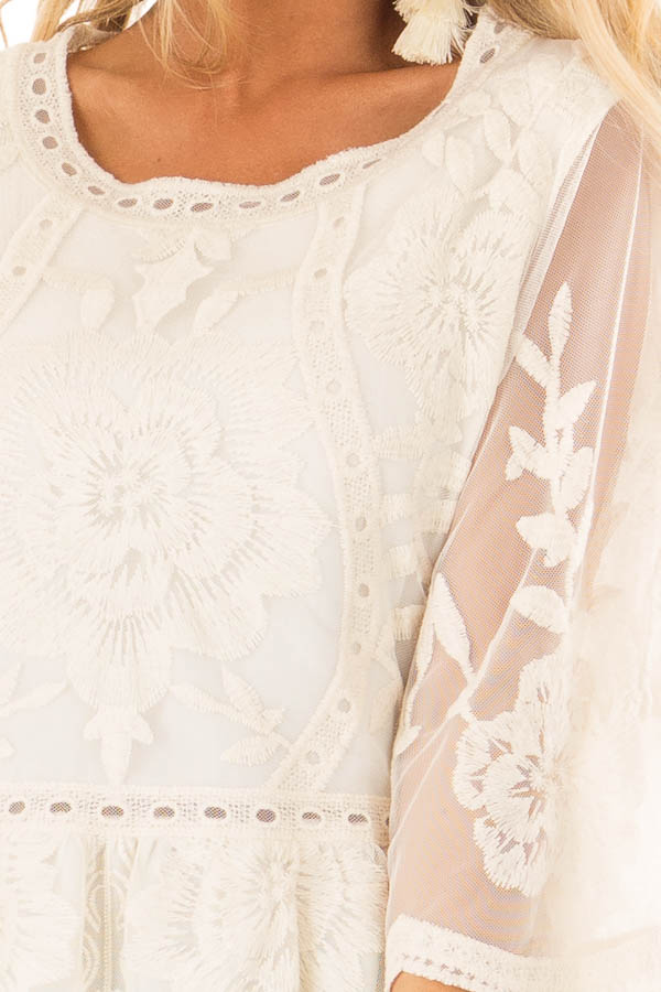 Cream Floral Lace Tunic Top with Sheer 3/4 Sleeves detail