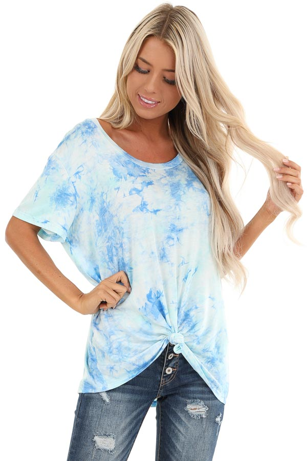 Sky Blue and Aqua Tie Dye Short Sleeve Top with Front Tie front close up