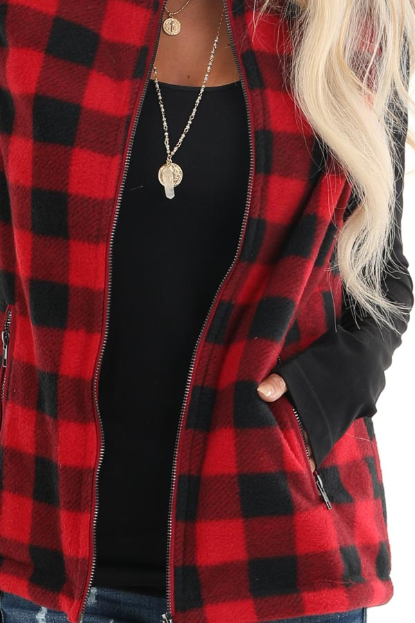 Buffalo Plaid Zip Up Vest with Pocket Details detail