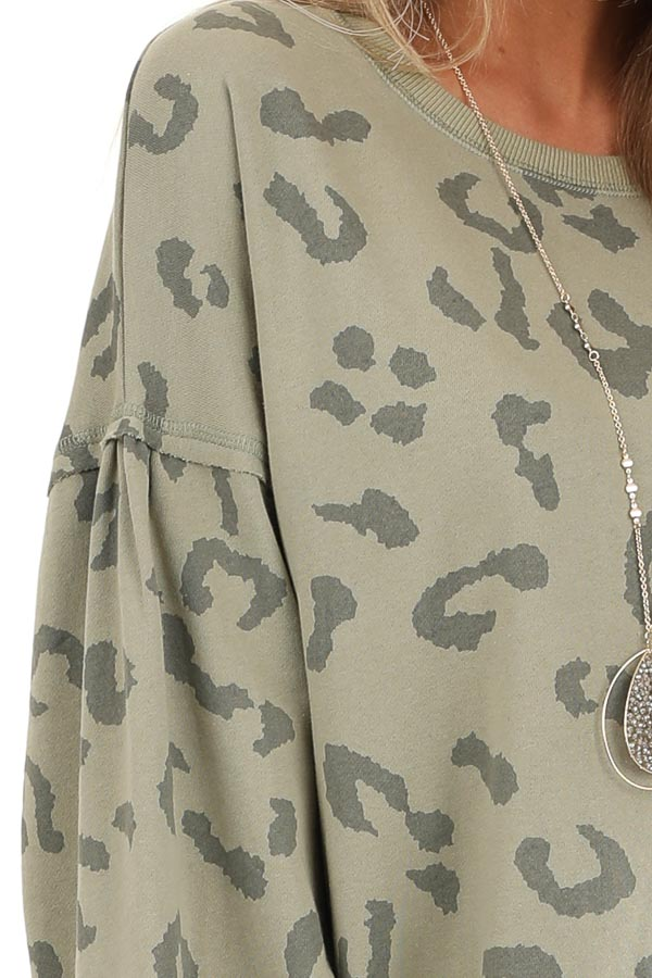 Light Green Leopard Print Sweatshirt with Rounded Neckline detail