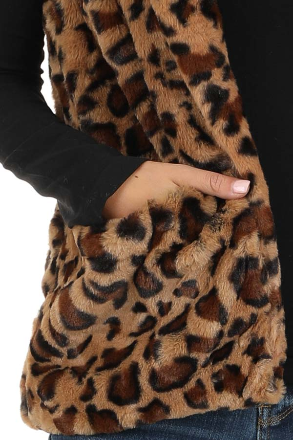 Caramel Leopard Print Faux Fur Hooded Vest with Pockets detail