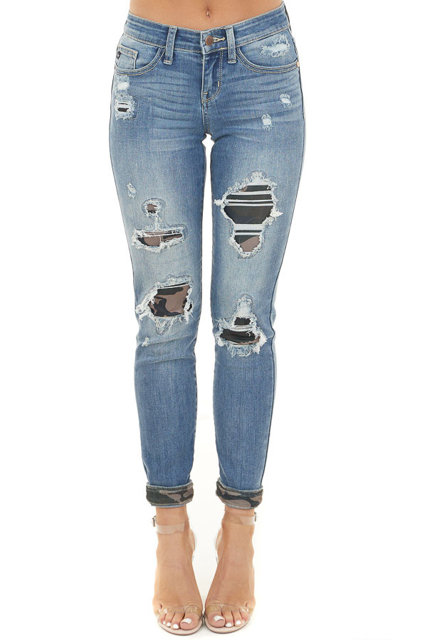 Medium Wash Distressed Skinny Jeans with Camo Print Patch