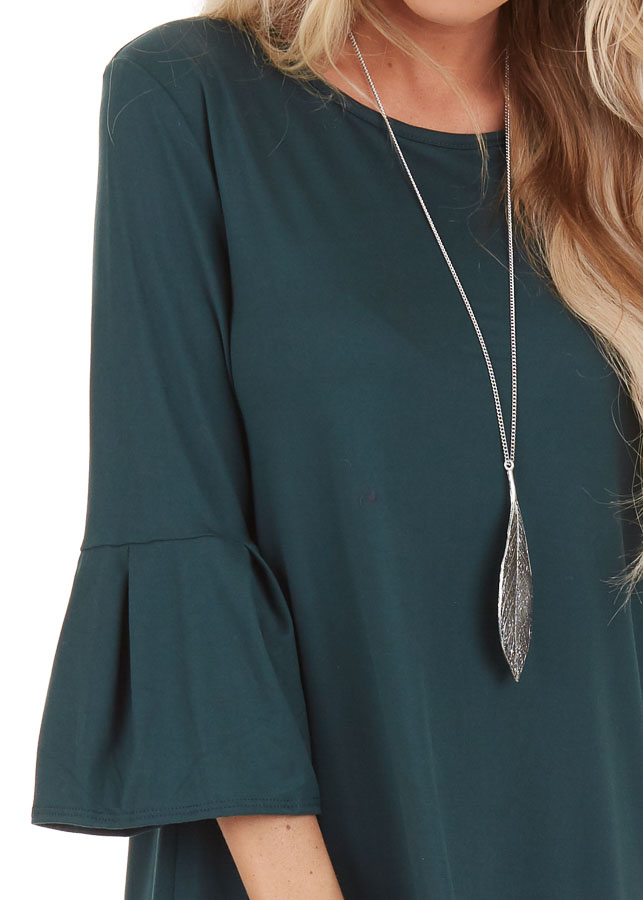 Hunter Green Shift Dress with 3/4 Trumpet Sleeves detail