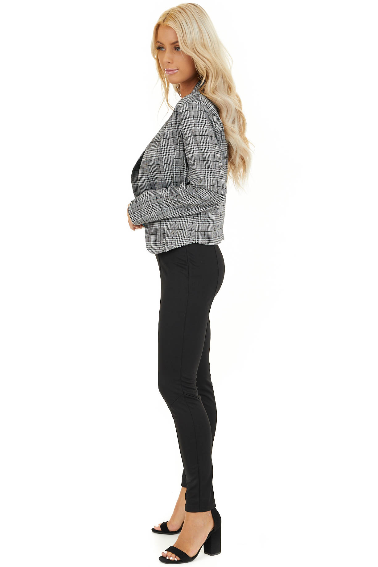 Black and Ivory Glen Plaid Fitted Blazer with Long Sleeves side full body