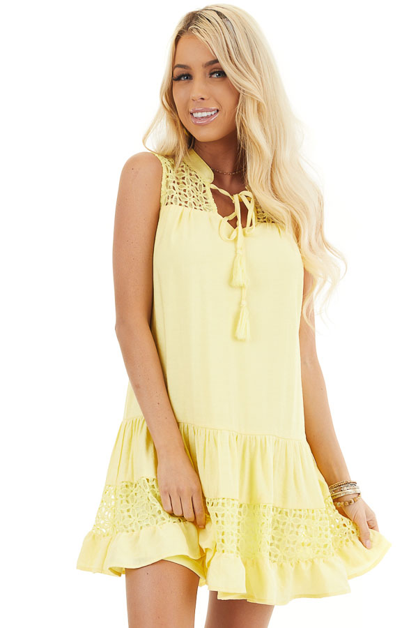 Lemon Yellow Sleeveless Dress with Lace Details and Tie front close up