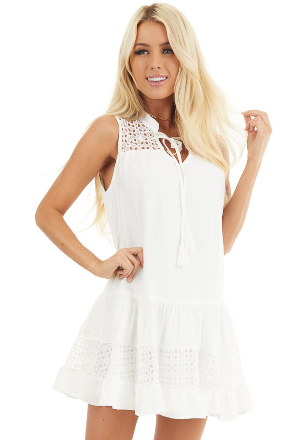 Off White Sleeveless Dress with Lace Details and Tie front close up