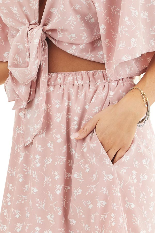Dusty Blush Floral Print Short Skirt with Pockets detail