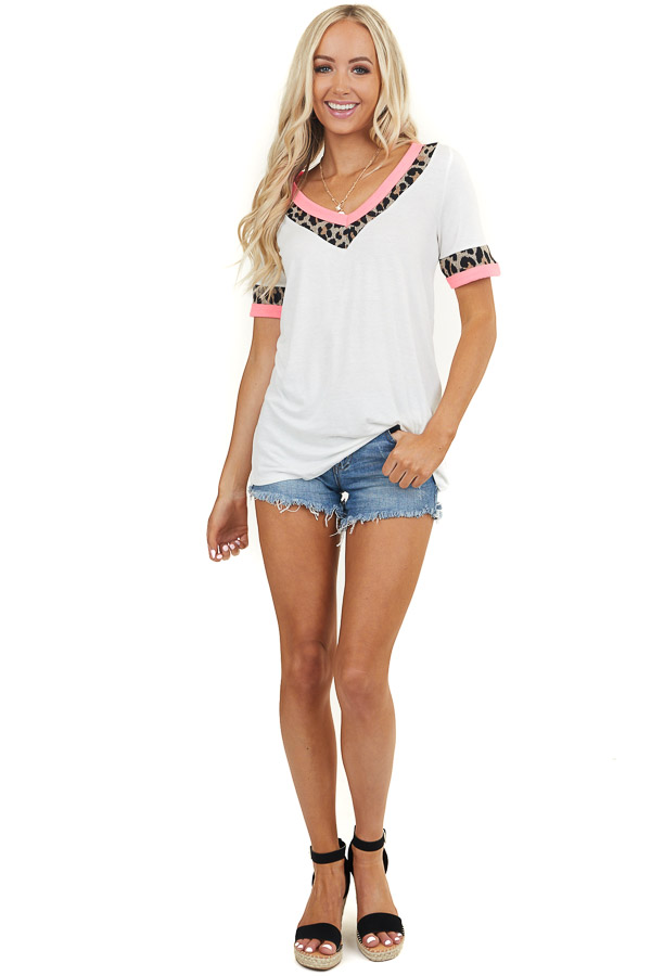 Off White and Leopard Print Short Sleeve V Neck Knit Top