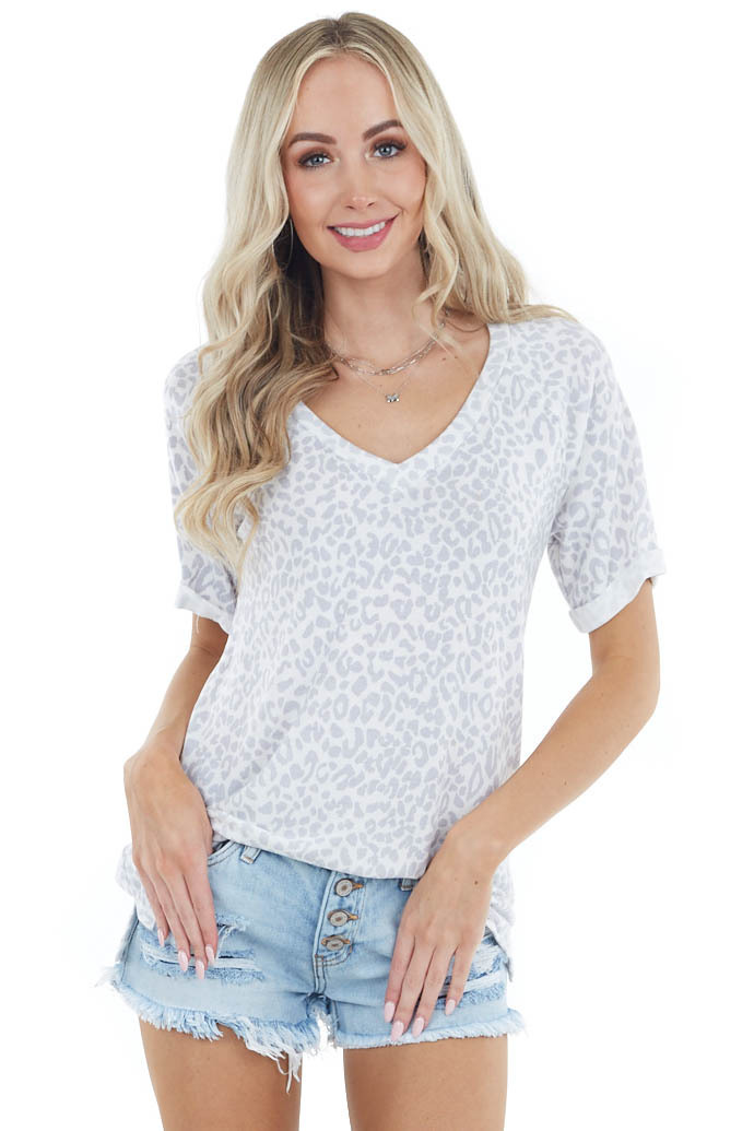 Ivory Leopard Print Short Sleeve Knit Top with V Neckline