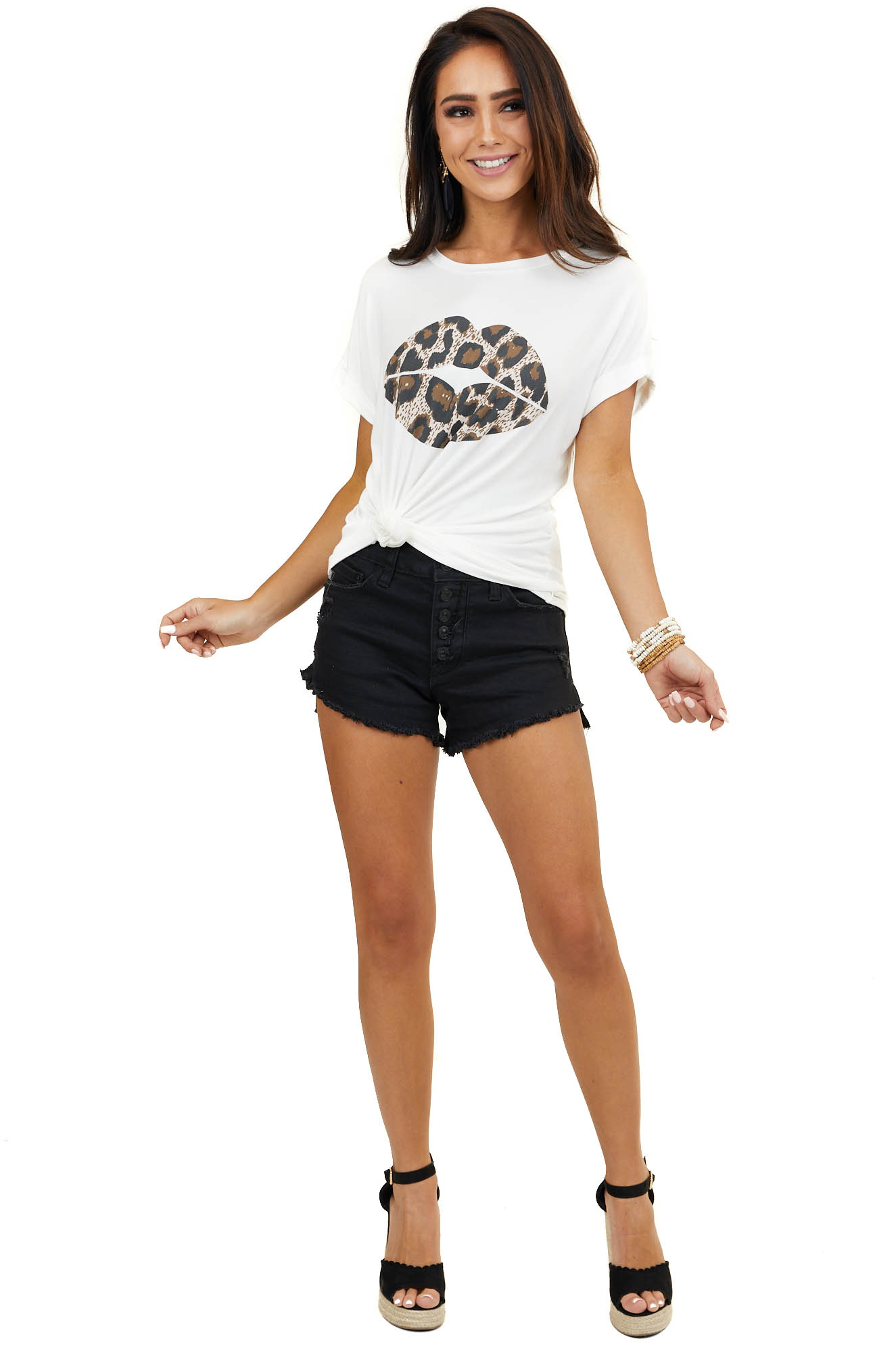 Ivory Cuffed Short Sleeve Knit Top with Leopard Lip Graphic