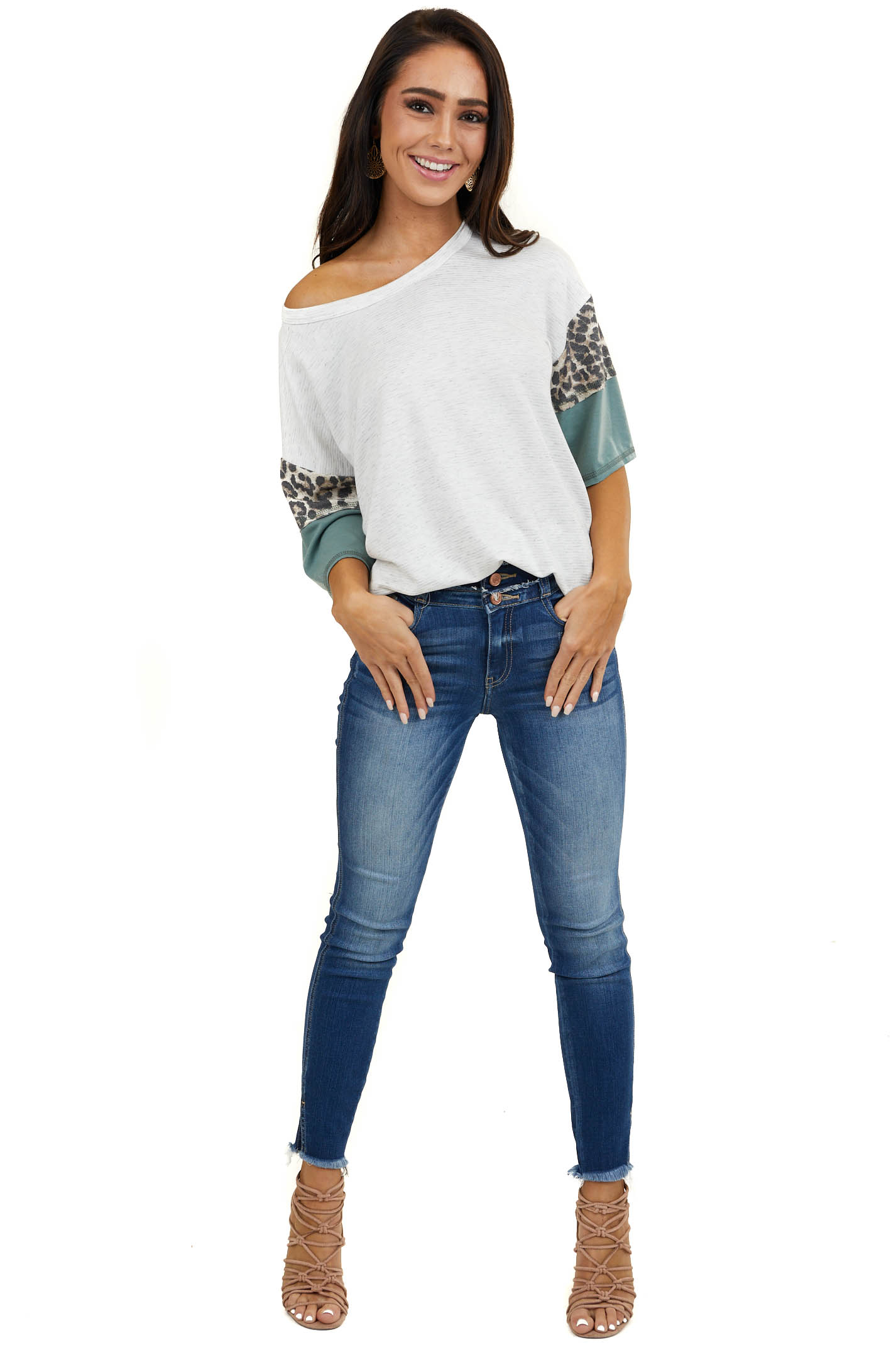 Heathered Ivory Half Sleeve Knit Top with Contrast Detail