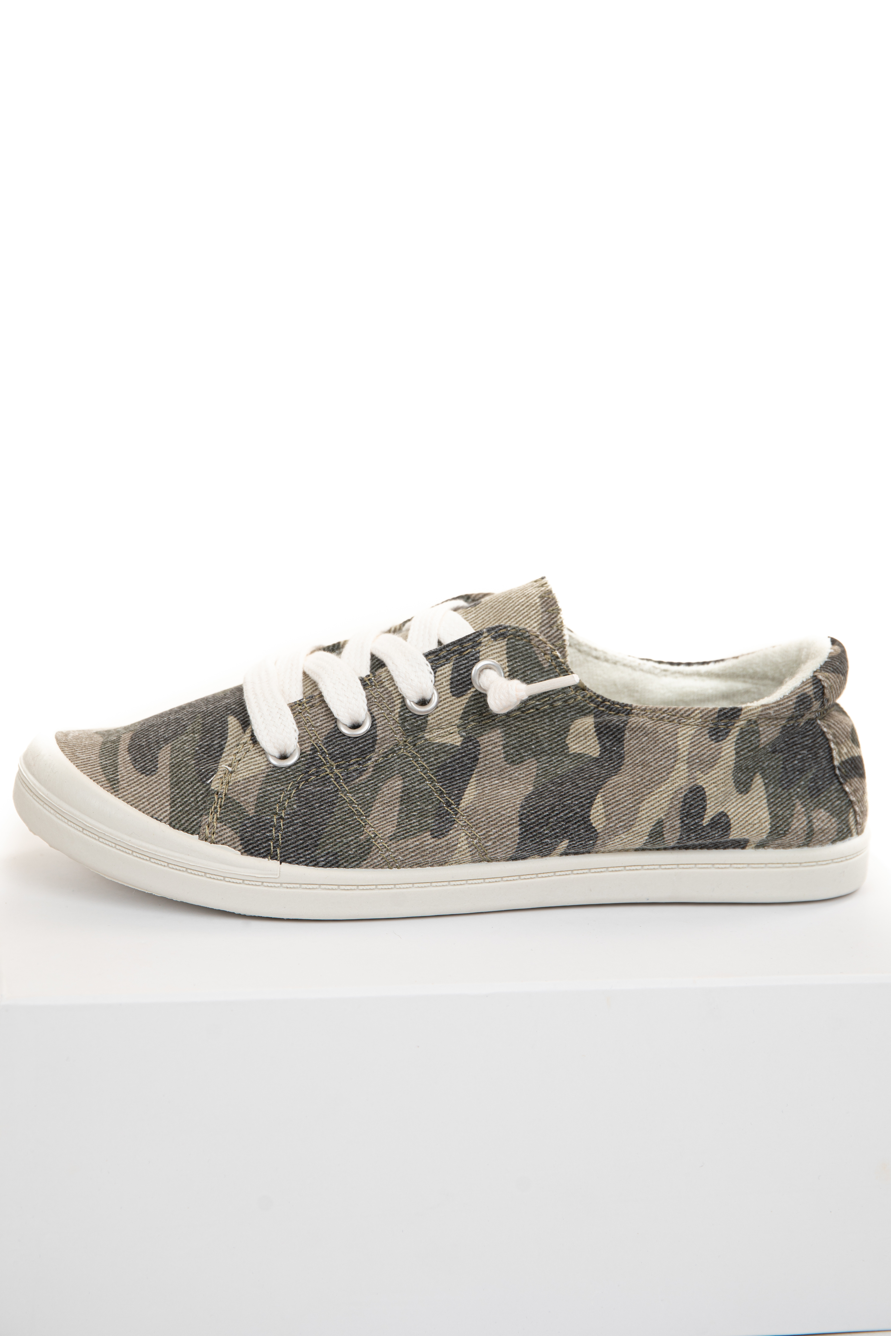 Olive Camouflage Lace Up Low Rise Casual Sneakers