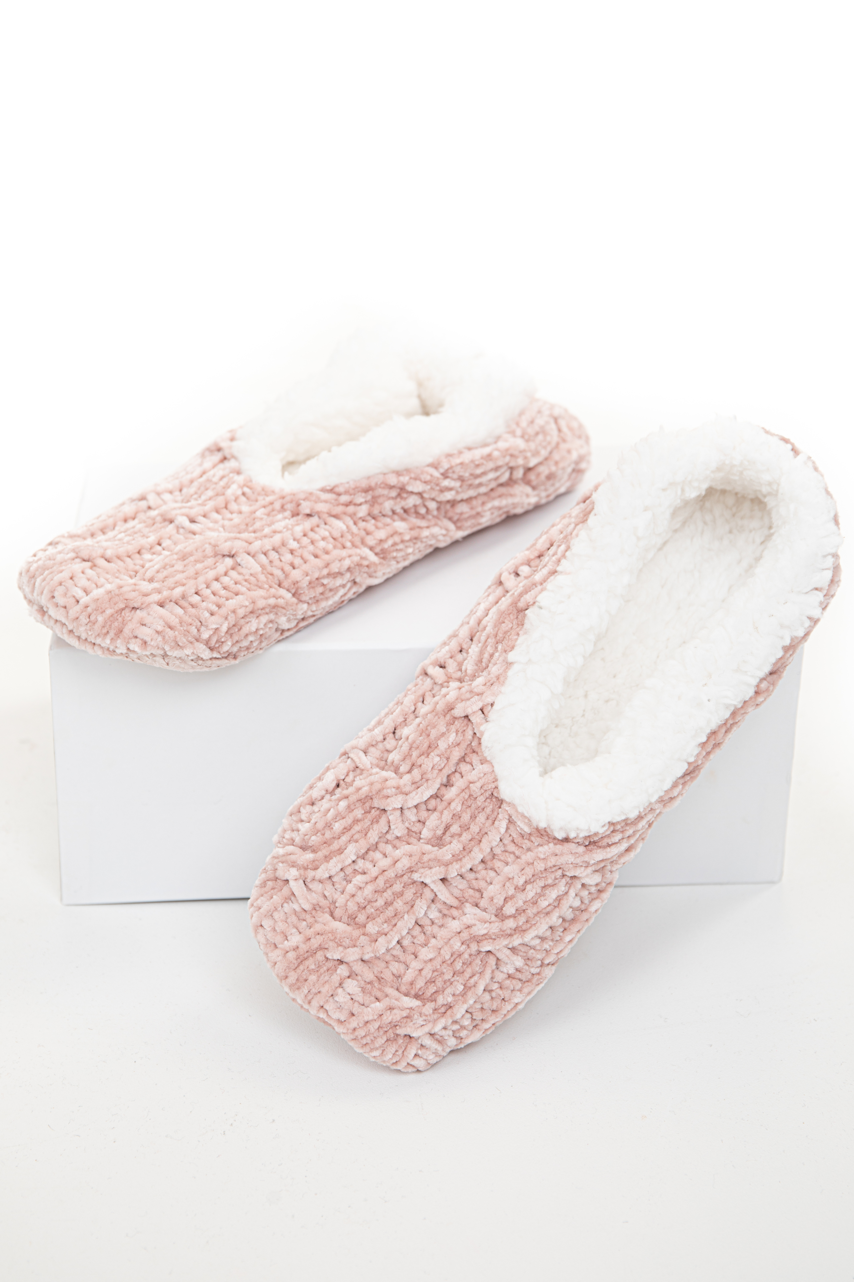 Dusty Blush Chenille Cable Knit Slipper with Faux Fur Lining