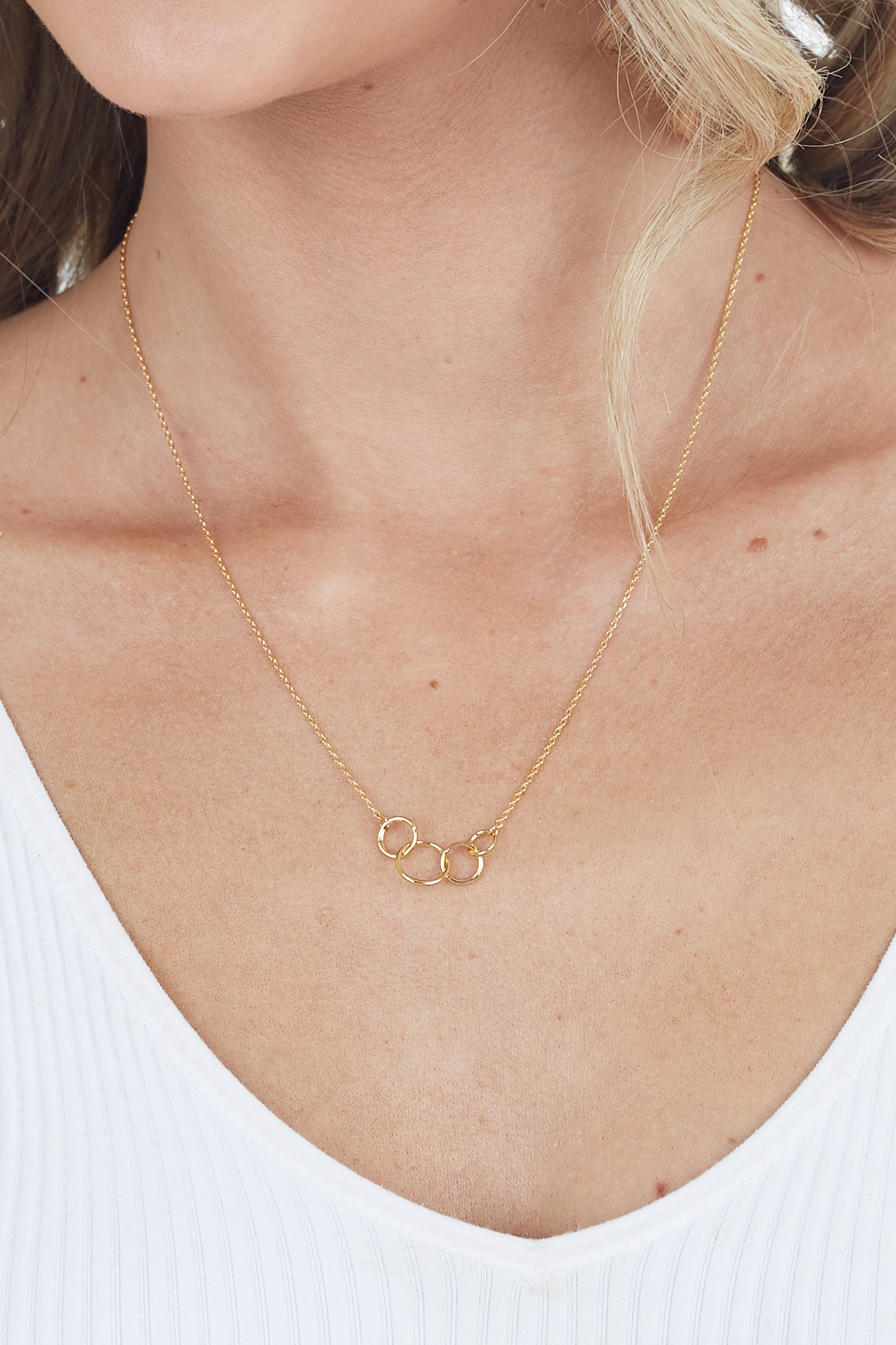 Gold Interlocking Circles Necklace with Dainty Chain