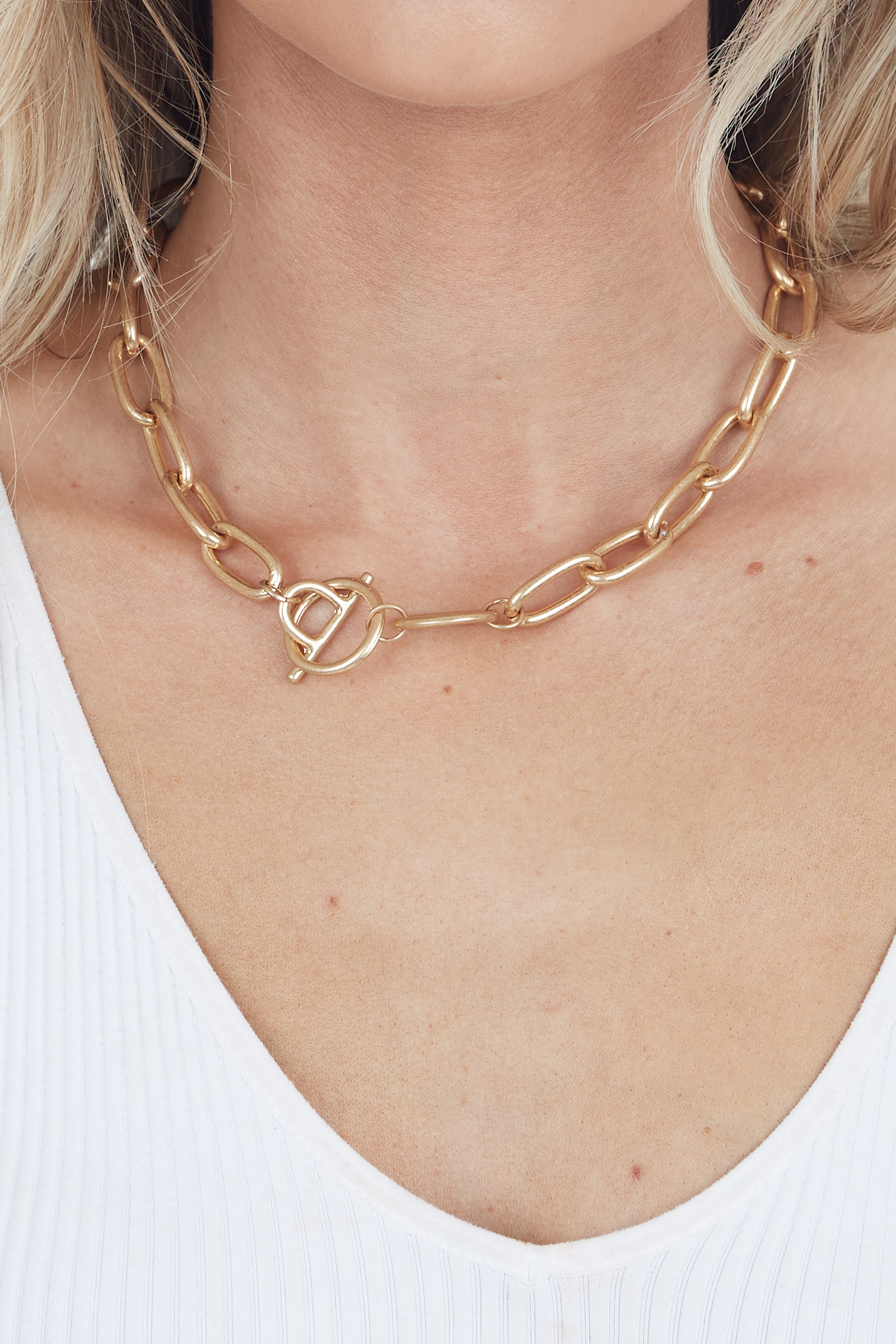 Gold Large Chain Choker Necklace with Toggle Closure