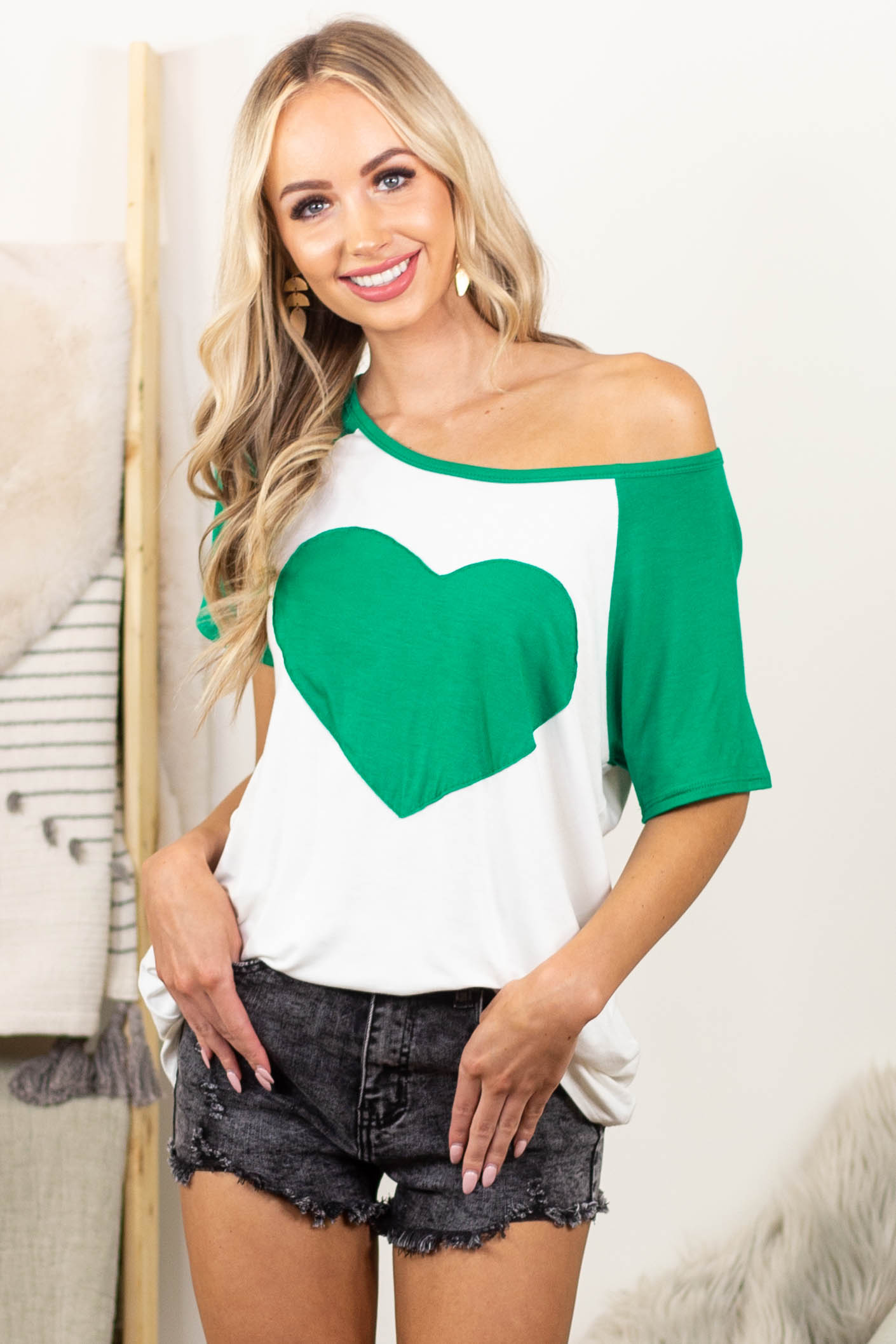 Ivory and Shamrock Raglan Short Sleeve Heart Graphic Top