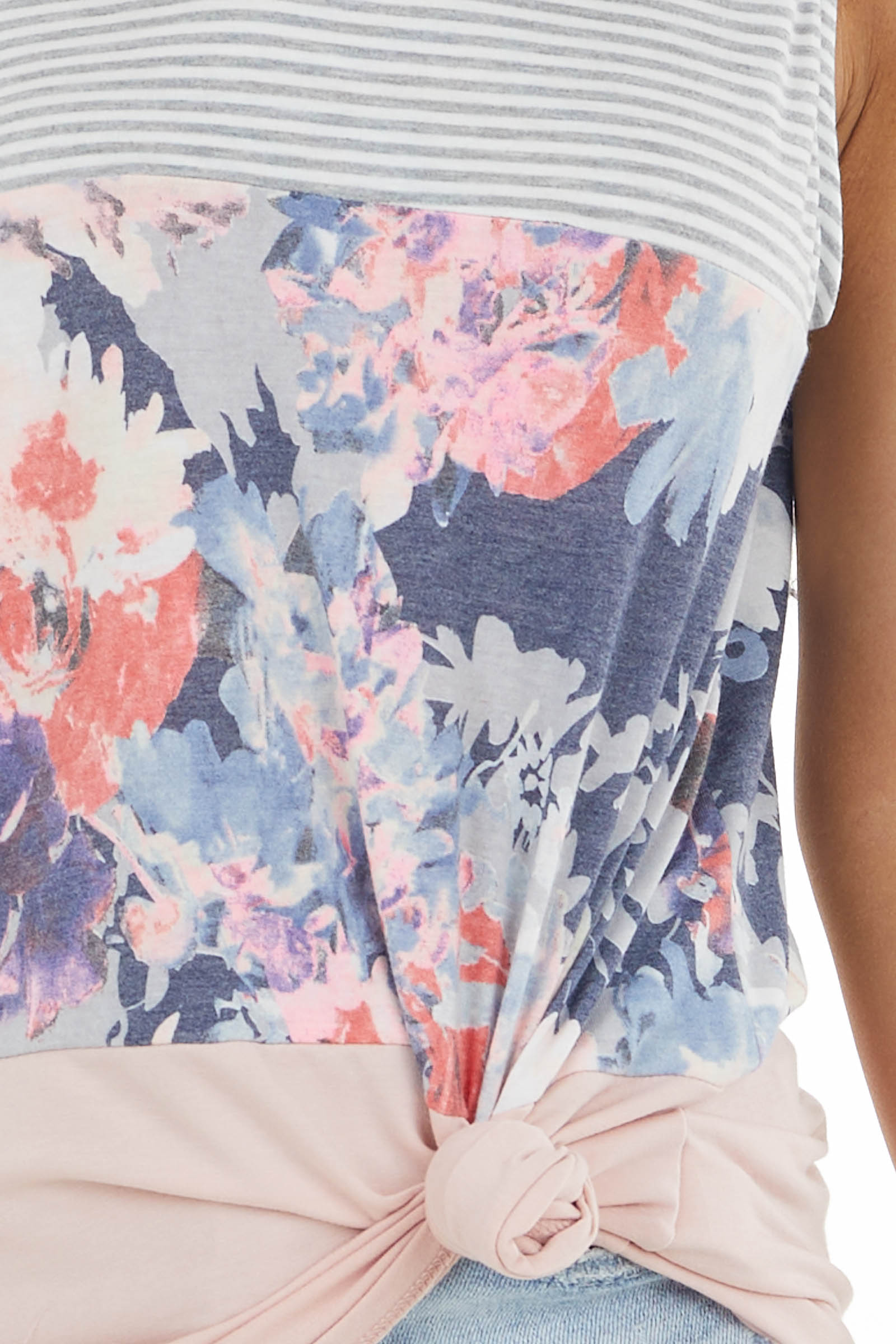 Dusty Blush Sleeveless Knit Top with Contrasting Patterns