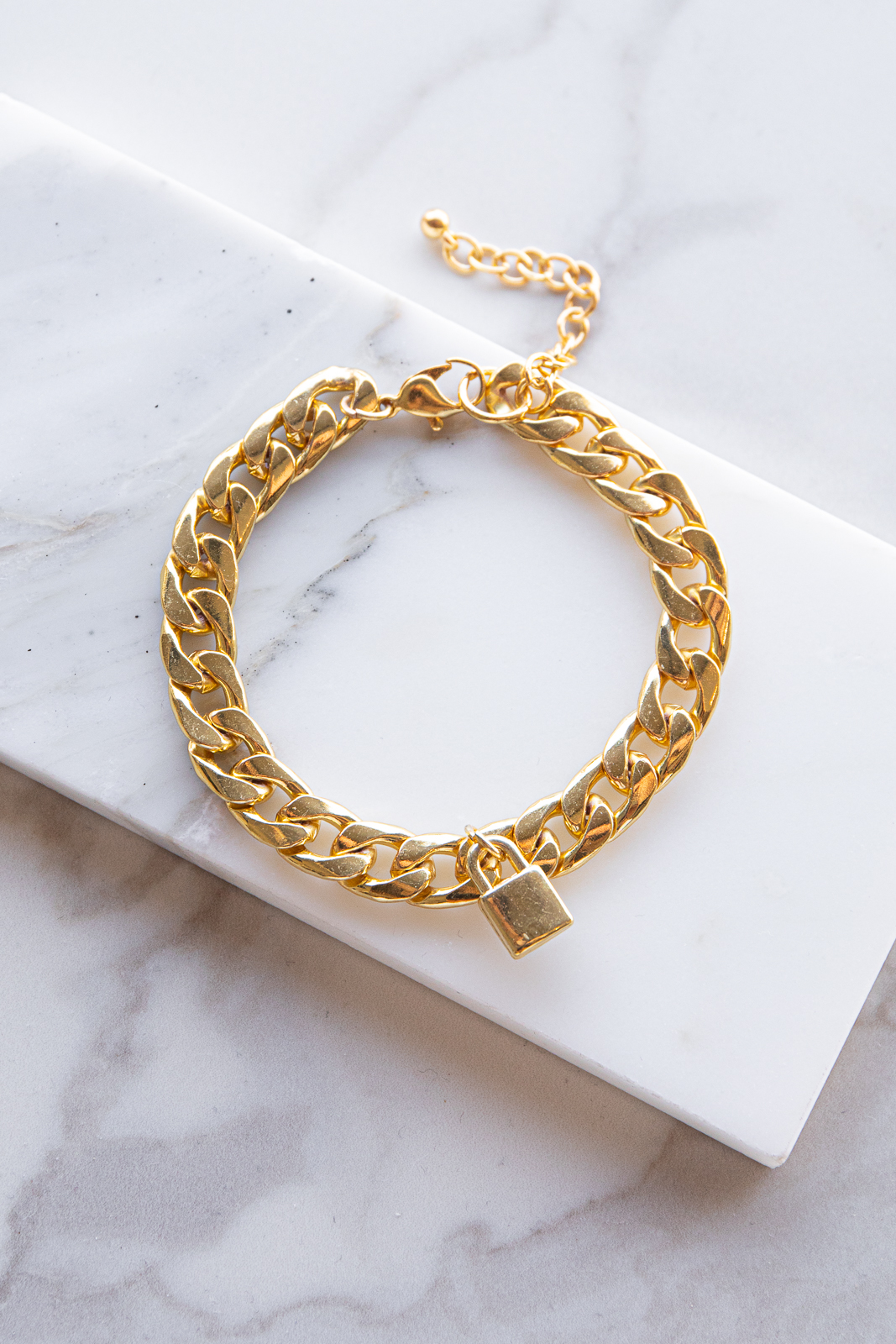 Gold Thick Chain Bracelet with Lock Shaped Pendant