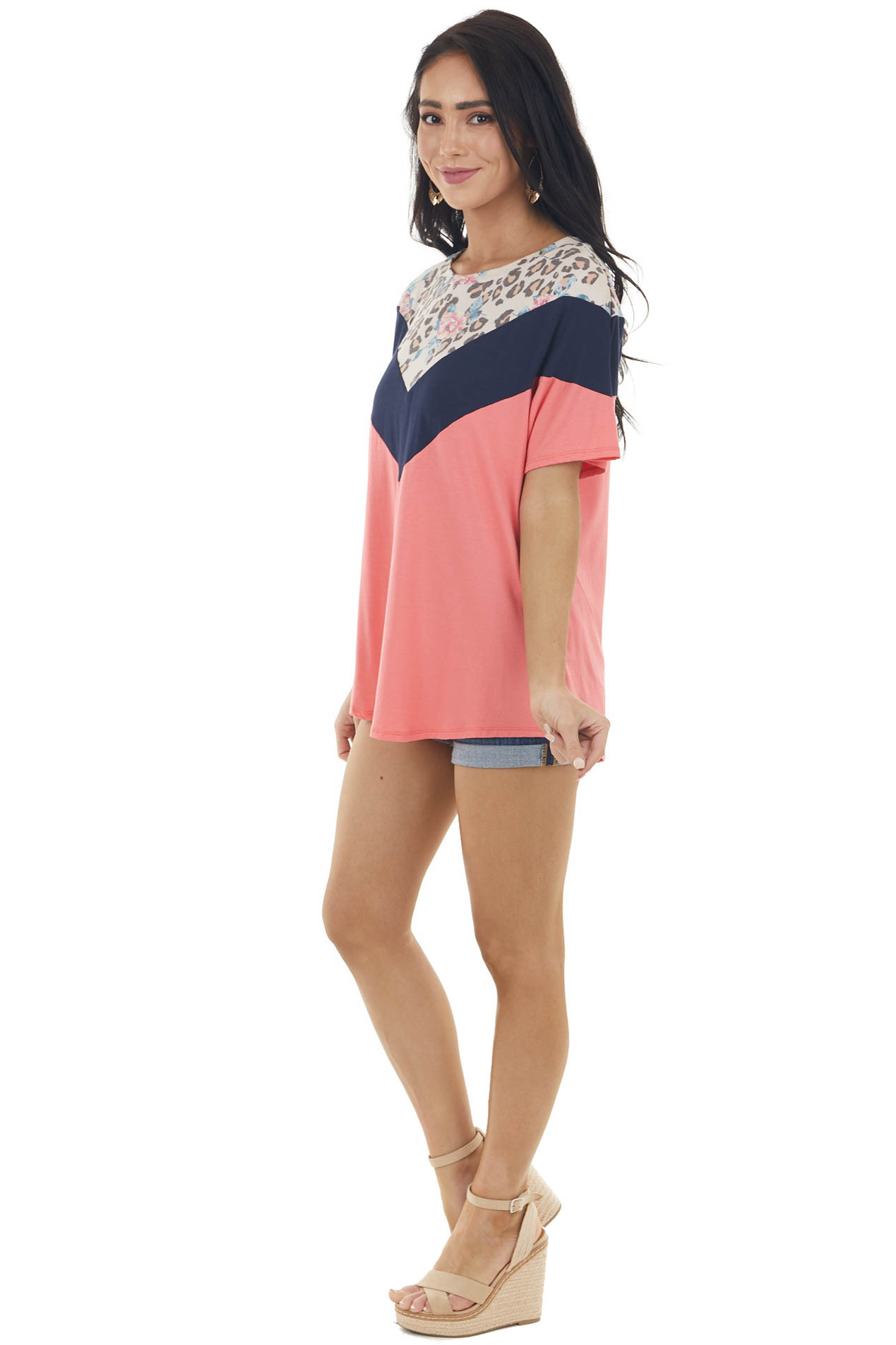 Rich Coral and Navy Chevron Pattern Short Sleeve Knit Top
