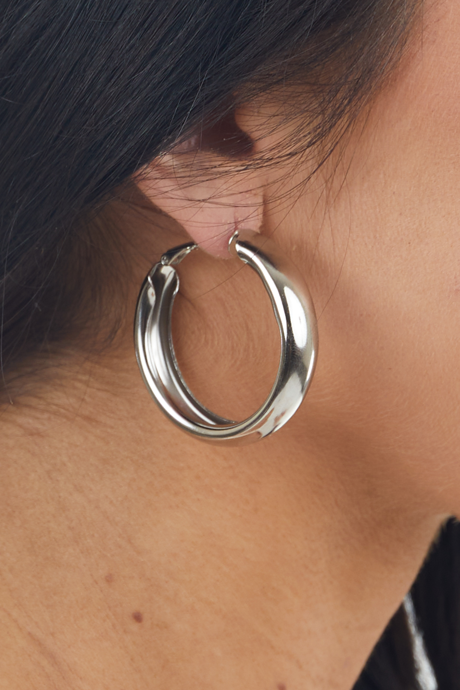 Shiny Silver Metallic Thick Hoop Earrings with Wire Closure