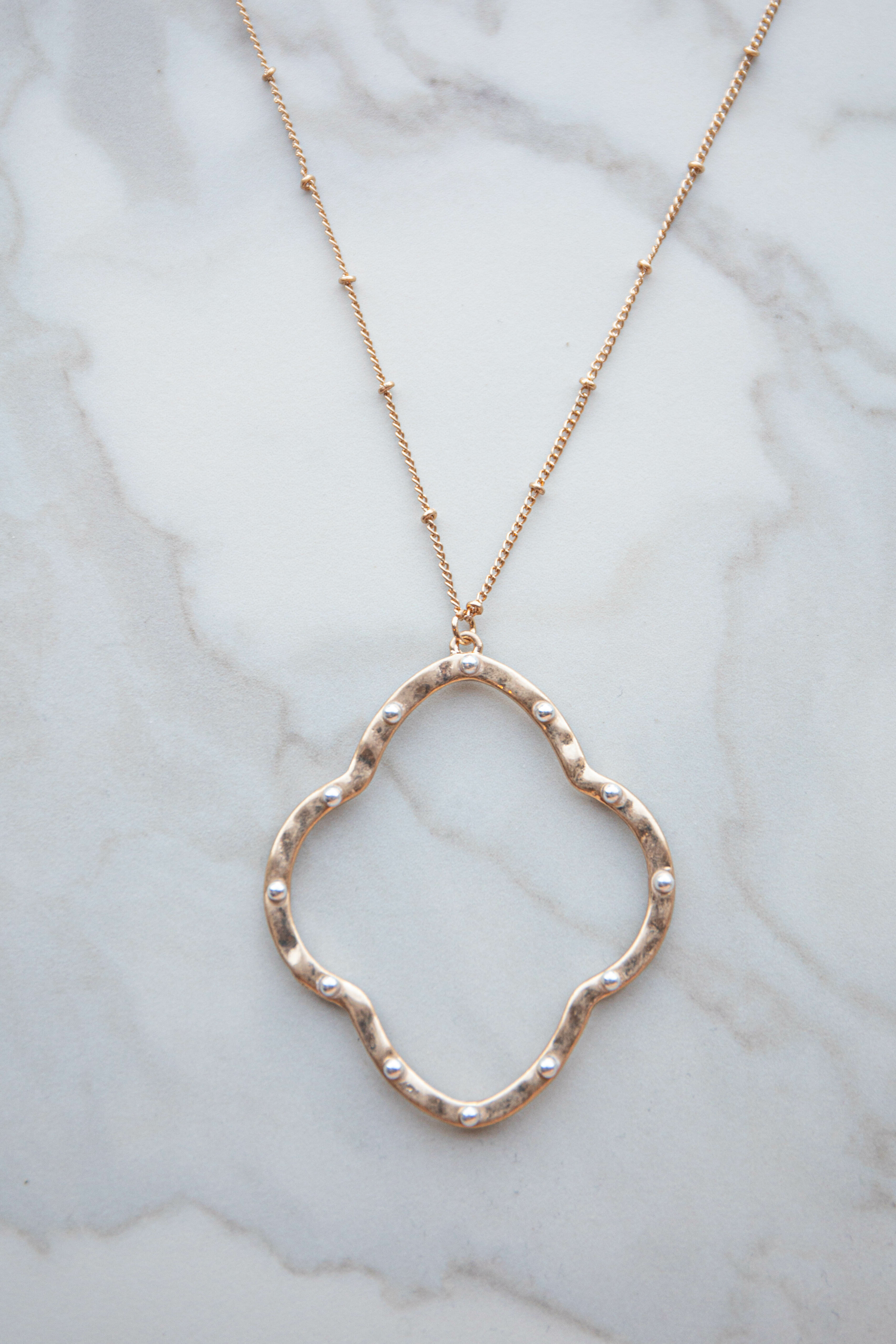 Gold Clover Pendant Necklace with Pearls