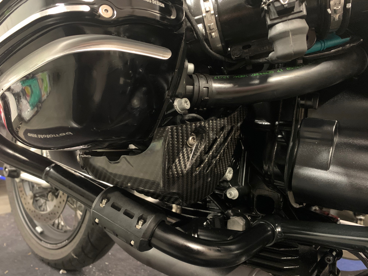 bmw-r-nine-t-carbon-fiber-parts-2.jpg