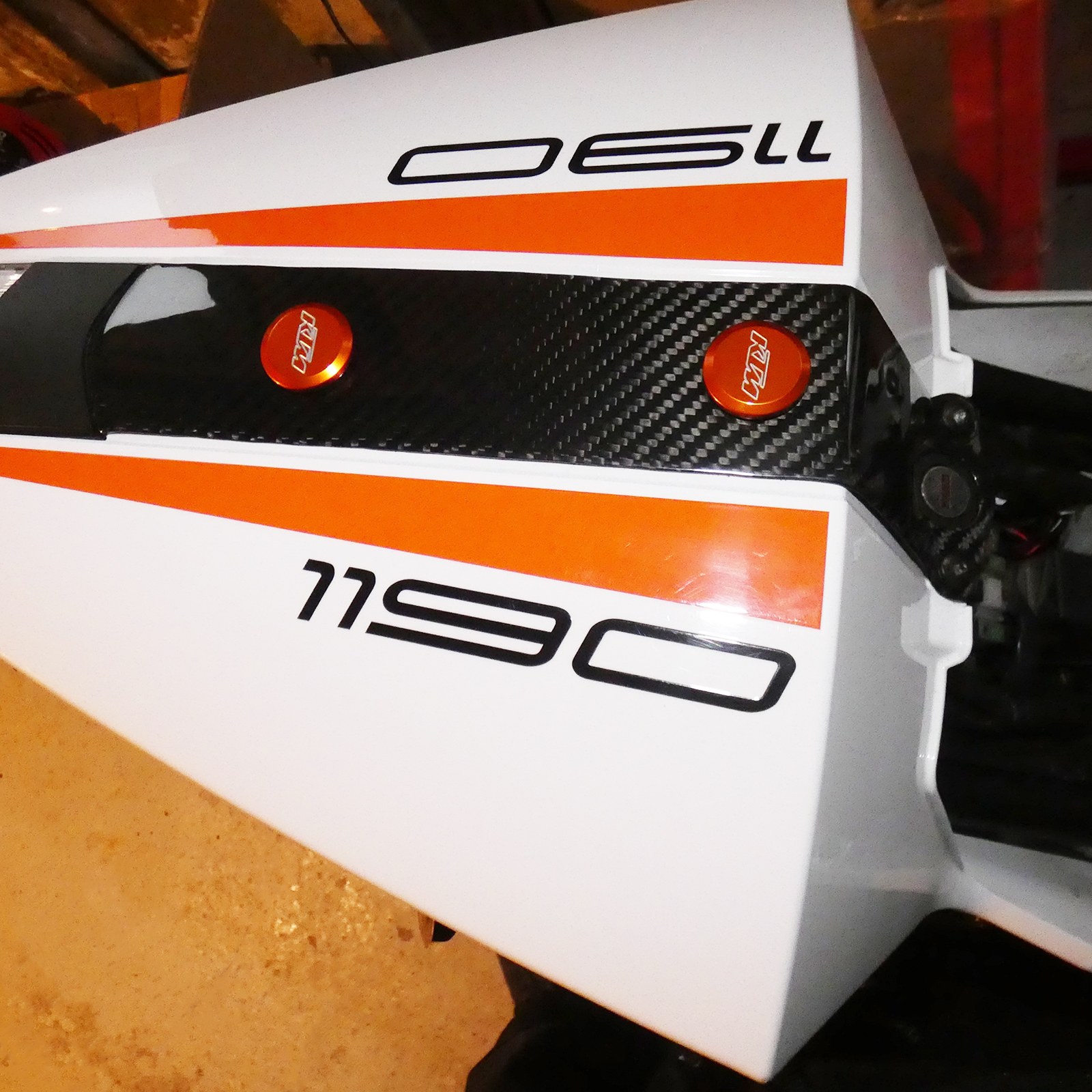 ktm-rc8-tail-centre-strip.jpg
