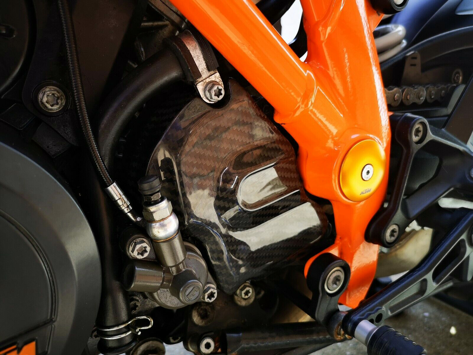 ktm-superduke-carbon-fibre-sprocket-cover.jpg
