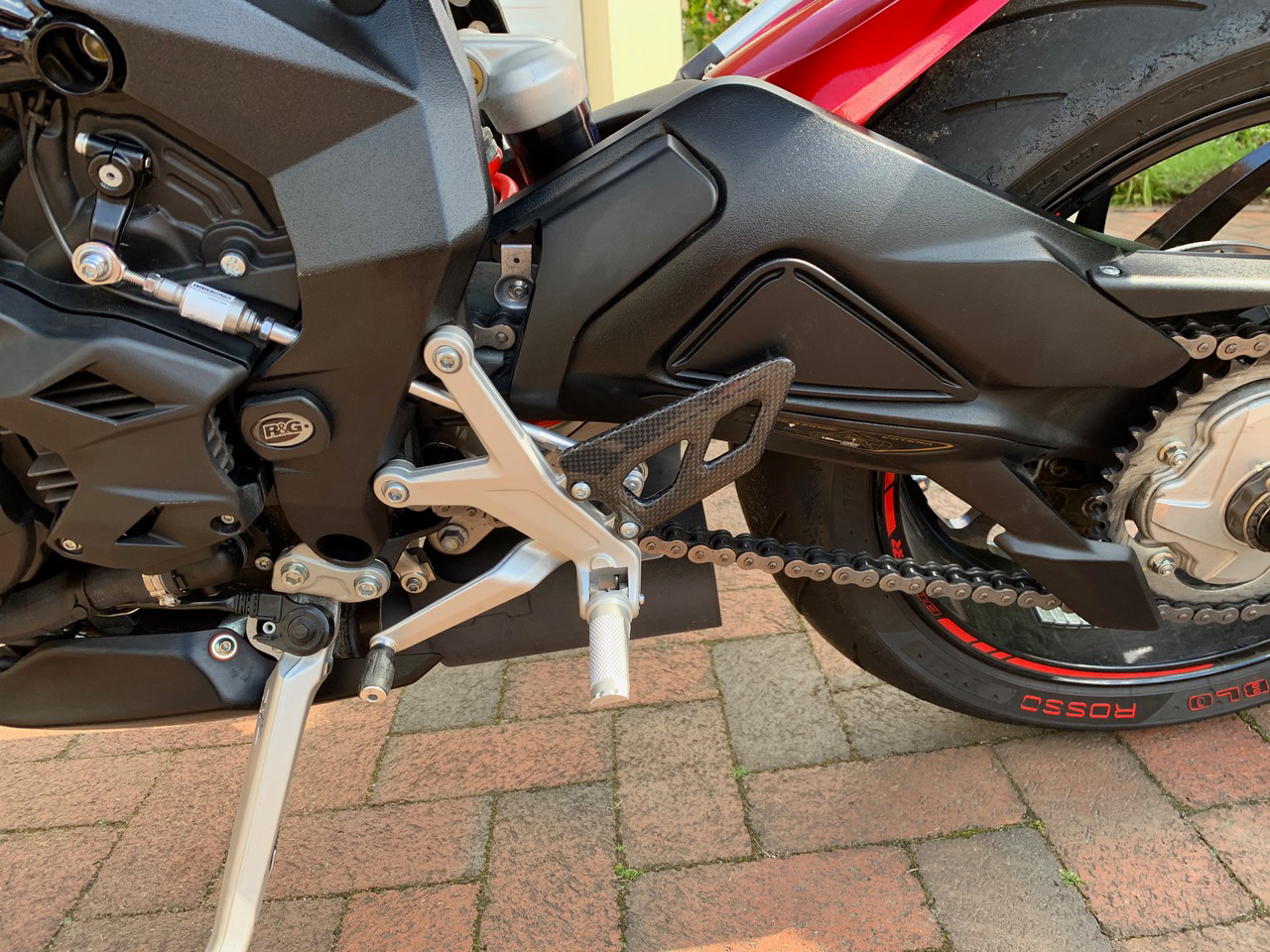 mv-agusta-dragster-carbon-fibre-heel-guard-2.jpg