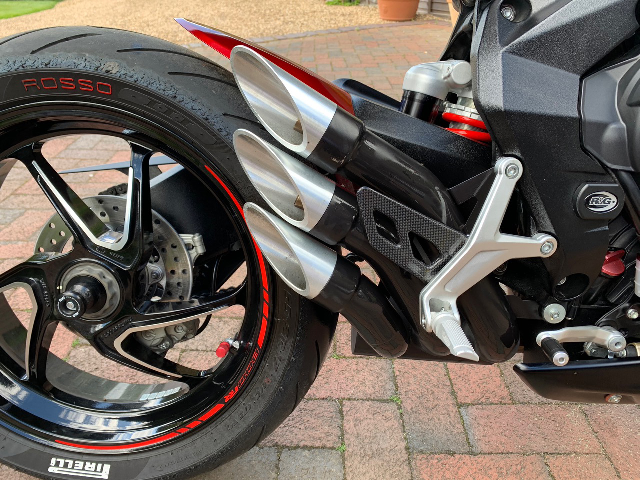 mv-agusta-dragster-carbon-fibre-heel-guard-3.jpg