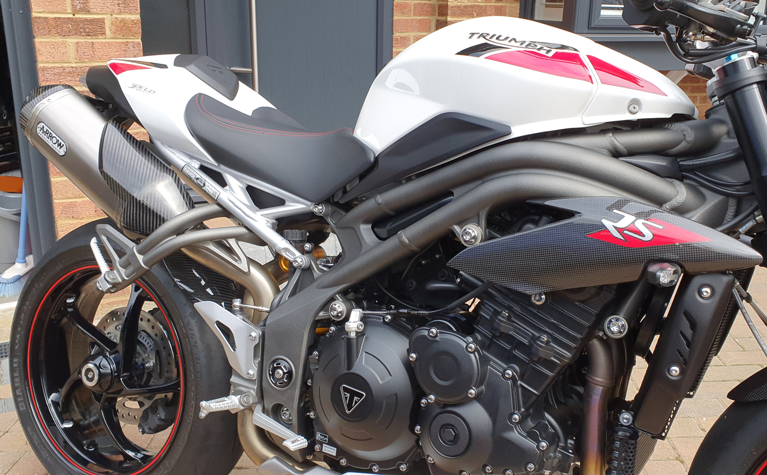 triumph-speed-triple-carbon-fibre-rear-hugger-3.jpg