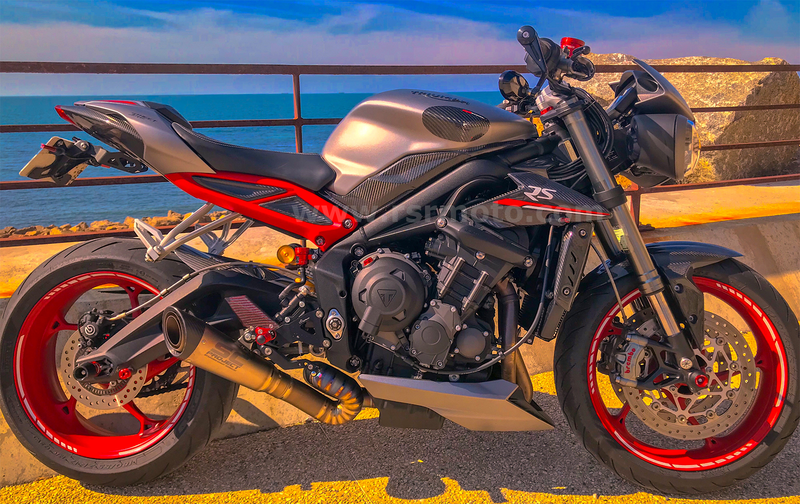 triumph-street-triple-carbon-fibre-parts-3.jpg