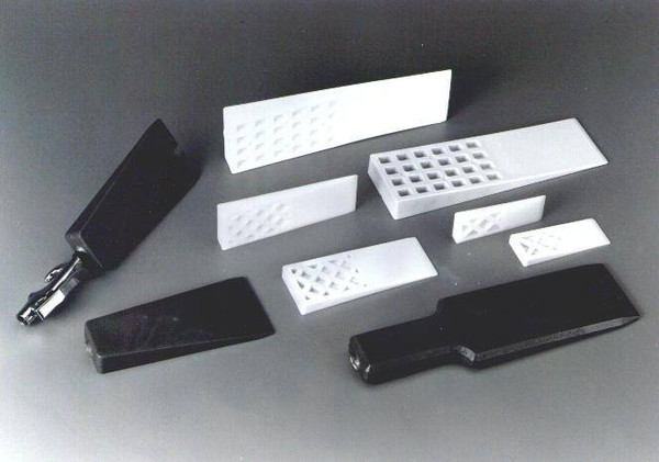 "1-1/4""W x 4""L - Rigid  Plastic Mold Release Wedge"