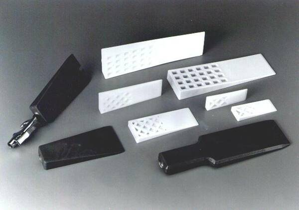 "1-1/4""W x 4""L - Rigid  Plastic Mold Release Wedge"