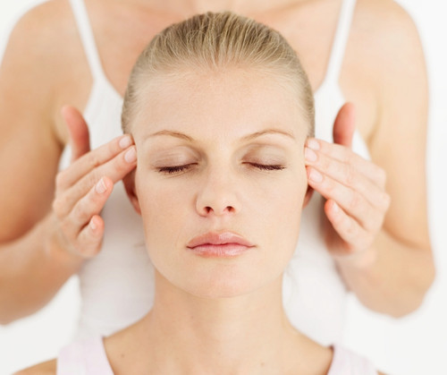 Indian Head Massage with Reiki - available in Poole Dorset. This is an excellent therapy for stress, anxiety, headaches and upper back tension.