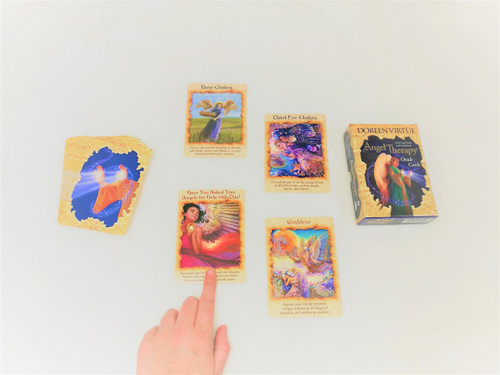 How to read Oracle Cards - Learn how!
