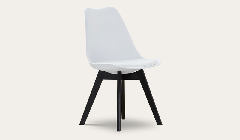 Vibe dining chair with black leg