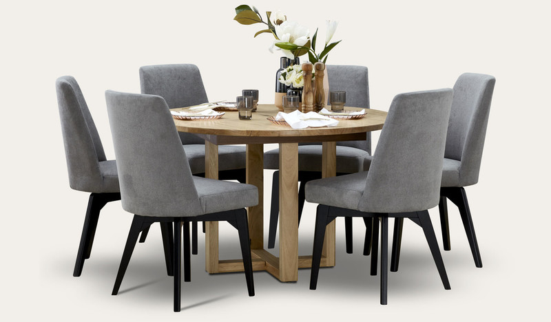 Kennedy round dining with Miller chair (blk leg)