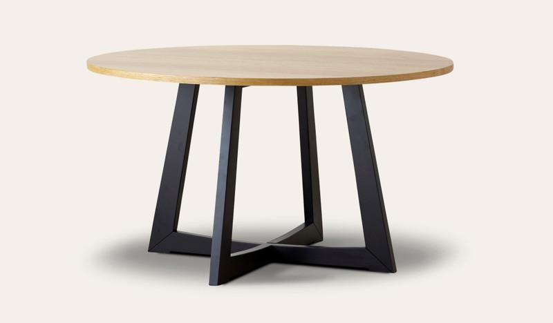 Esperance round dining table