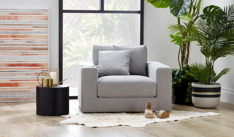 Kelsey swivel chair